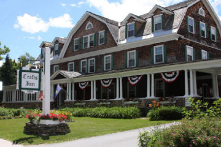 7 night stay in a 1 bedroom suite at the crafts inn in for Crafts inn wilmington vt
