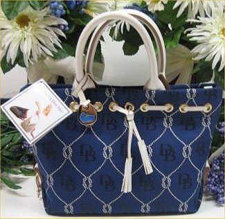 dfa5b097d3cf 100% Authentic Dooney   Bourke Rope Tulip Tote in Navy - Silver Tag with  Blue Duck detail - Brand New with Tags - Product Dimensions  approx 12
