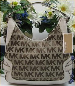 a399e517e9c1 100% Authentic Michael Kors Large Classic Jacquard Hobo  Vanilla Leather  Details  Brand New ...