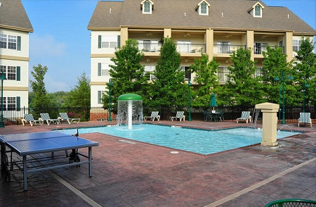 7 Nights In A 1 Or 2 Bedroom Suite At The French Quarter In Branson Missouri
