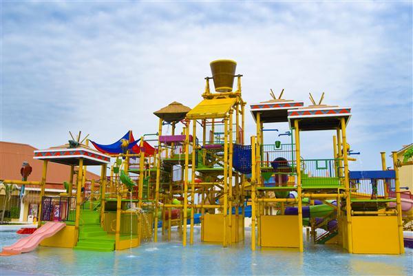 Sea adventure resort waterpark in cancun mexico bid for Funnest all inclusive resorts