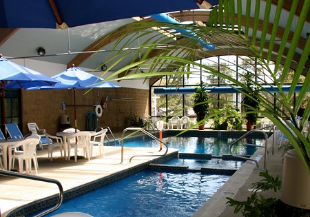 The Holly Tree Resort Hotel In West Yarmouth Massachusetts On Cape Cod