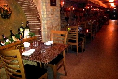 Italian Village Restaurants In Chicago Bid Save On Dining Certificates With Skyauction