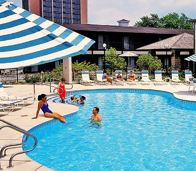 Pheasant run resort and spa st charles illinois for Resort and spa near chicago