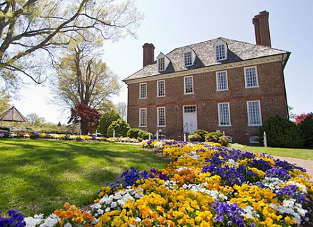 Bid on a 7 night stay in a 2 bedroom suite at the historic powhatan resort in williamsburg virginia for 2 bedroom suites in williamsburg va