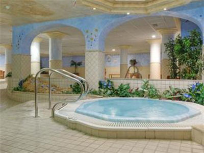 1 Or 2 Bedroom Suite At The Grangefield Oasis Club In Malaga Costa Del Sol Spain